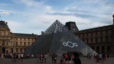 Louvre-01