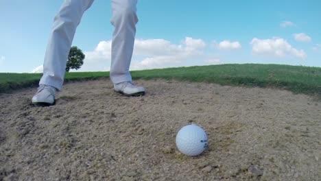 Lady-Playing-Golf-01