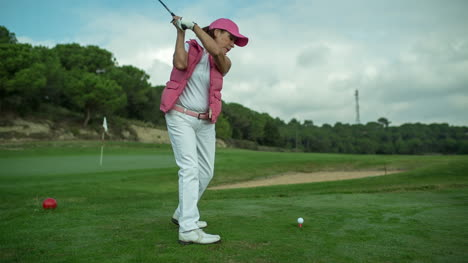 Lady-Playing-Golf-11