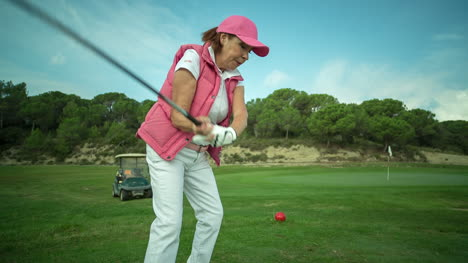 Lady-Playing-Golf-12