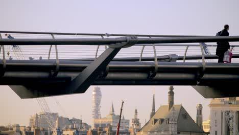 Millennium-Bridge-London-00