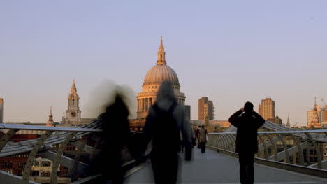 Millennium-Bridge-London-03