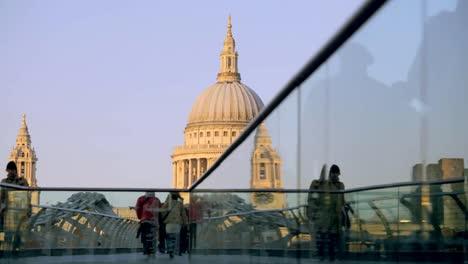 Millennium-Bridge-0-1
