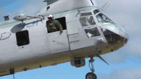 Ch46-Sea-Knight-Helicopter-In-Action