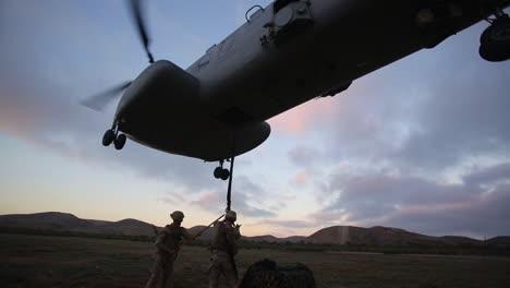 Helicóptero-Ch46-Sea-Knight-En-Acción-2