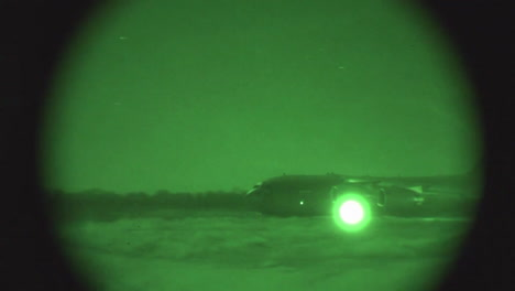 Night-Vision-Footage-Of-Us-Air-Force-C17-Taking-Off