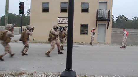Us-Marines-And-Navy-Seals-Conduct-A-Raid-Of-A-Simulated-Terrorist-Compound-2
