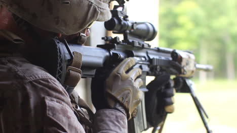 Us-Marines-And-Navy-Seals-Conduct-A-Raid-Of-A-Simulated-Terrorist-Compound-9