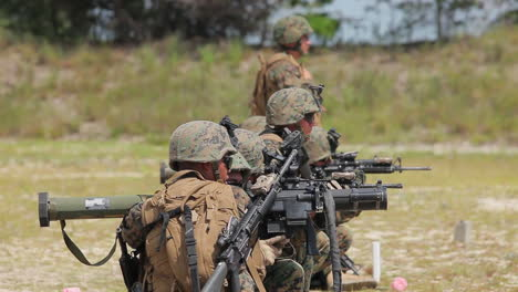 Marines-And-Army-Soldiers-Learn-To-Fire-Shoulder-Fired-Weapons-3