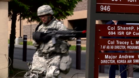 Us-Troops-Practice-For-A-Mass-Shooting-Incident-At-A-School-Or-Military-Base-4