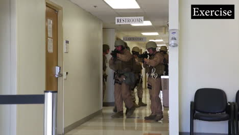 Us-Troops-Practice-For-A-Mass-Shooting-Incident-At-A-School-Or-College-Campus-4