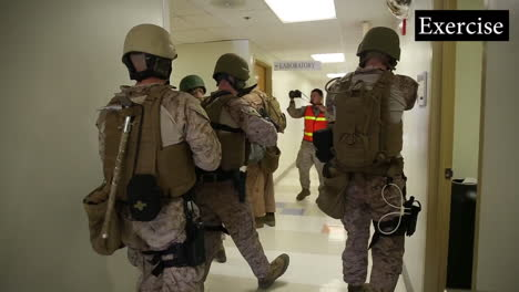 Us-Troops-Practice-For-A-Mass-Shooting-Incident-At-A-School-Or-College-Campus-8