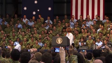 El-Presidente-Barack-Obama-Se-Reúne-Con-La-Primera-Ministra-Australiana-Julia-Gillard-En-Darwin-Australia