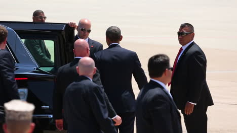 President-Obama-Waves-To-Admirers-As-He-Heads-For-The-Presidential-Limousine