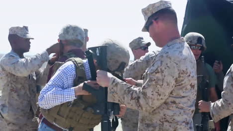Former-California-Governor-Pete-Wilson-Fires-Guns-With-The-Army-At-A-Photo-Op-1
