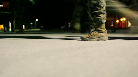 Marines-En-Entrenamiento-Van-En-Una-Marcha-Nocturna