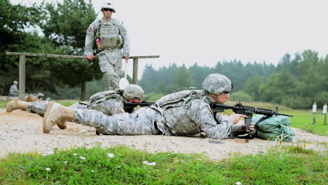 Soldiers-Engage-In-A-Live-Fire-Exercise-With-M4-Carbine-Rifles-On-A-Battlefield