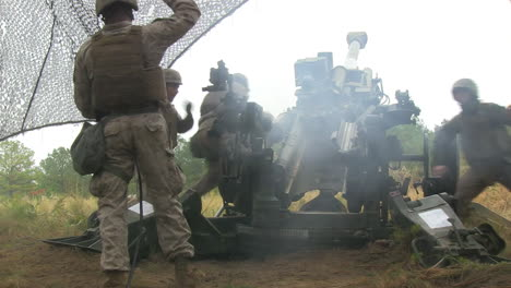 Us-Marines-Fire-Artillery-In-A-Massive-Live-Fire-Exercise-1