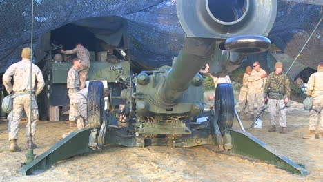 Us-Marines-Fire-Artillery-In-A-Massive-Live-Fire-Exercise-3