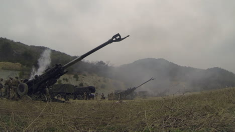 Us-Marines-Fire-Artillery-In-A-Massive-Live-Fire-Exercise-4