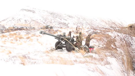Us-Marines-Fire-Artillery-In-The-Snow-In-A-Winter-Exercise-1