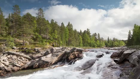 Norway-Rapids-00