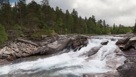 Norway-Rapids-01