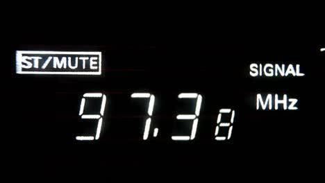 Radio-Tuning-01