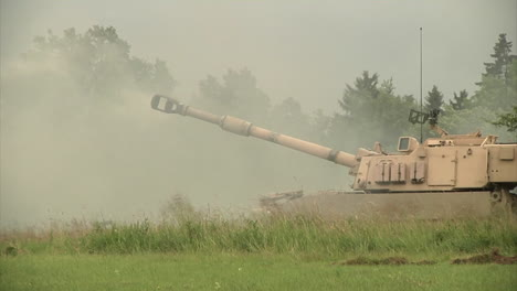 Us-M109A6-Paladin-Tanks-Are-Fired-At-A-Range-In-Germany