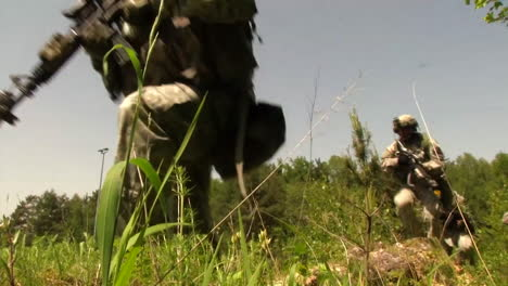 The-Army-Of-Slovenia-Engages-In-A-Commando-Urban-Assault-Exercise-3