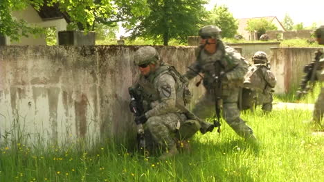 The-Army-Of-Slovenia-Engages-In-A-Commando-Urban-Assault-Exercise-4