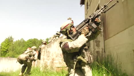 The-Army-Of-Slovenia-Engages-In-A-Commando-Urban-Assault-Exercise-5
