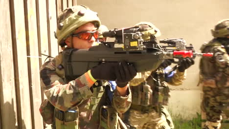 The-Army-Of-Slovenia-Engages-In-A-Commando-Urban-Assault-Exercise-7