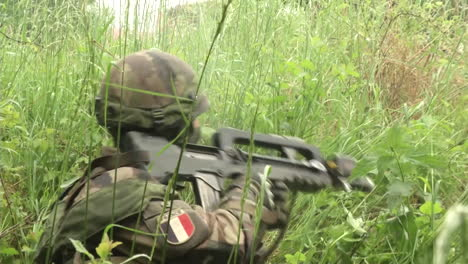 French-Infantry-Perform-Intense-Simulated-Battlefield-Conflicts-In-A-Forest-Environment-1