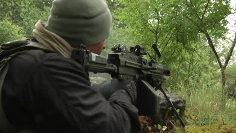French-Infantry-Perform-Intense-Simulated-Battlefield-Conflicts-In-A-Forest-Environment-2