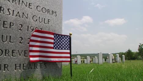 Soldados-Honran-A-Los-Muertos-En-Un-Cementerio-En-Dallas-Ft-Worth-Texas-4
