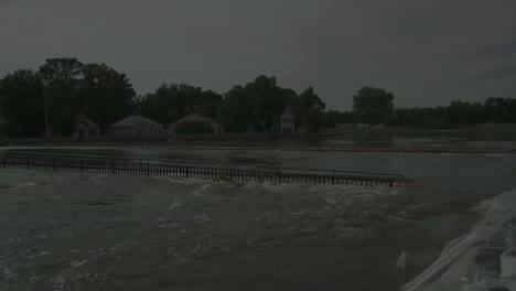 Luftaufnahmen-über-Die-Flutkatastrophe-In-Minot-North-Dakota-Im-Jahr-2011