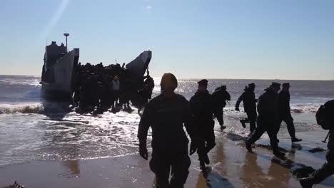 Marines-And-Sailors-Respond-To-Hurricane-Sandy-Using-Amphibious-Craft