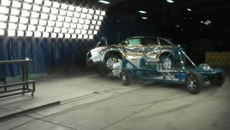 La-Junta-Nacional-De-Seguridad-En-El-Transporte-Por-Carretera-Prueba-Un-Choque-De-Un-Toyota-Highlander-2014