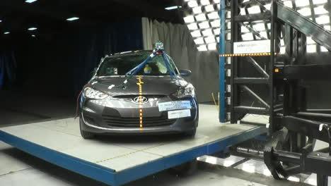 La-Junta-Nacional-De-Seguridad-En-El-Transporte-Por-Carretera-Prueba-De-Choque-Un-Hyundai-Veloster-2014