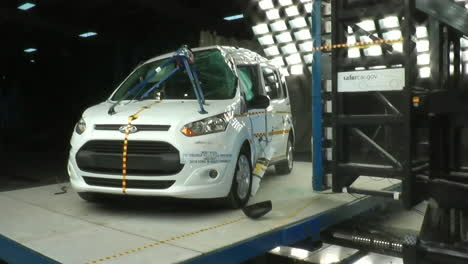 The-National-Highway-Transportation-Safety-Board-Crash-Tests-A-2014-Ford-Transit-2