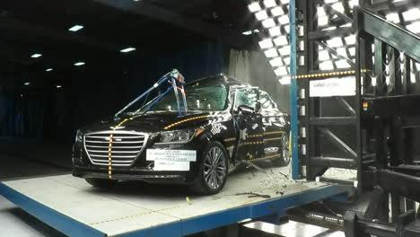 La-Junta-Nacional-De-Seguridad-En-El-Transporte-Por-Carretera-Prueba-De-Choque-Un-Hyundai-Genesis-1-2014