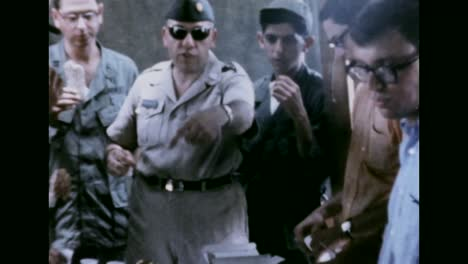 Jewish-American-Servicemen-Celebrate-Army-Passover-In-The-1960S-In-Vietnam