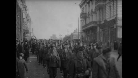 Russian-Troops-March-Through-The-Streets-Of-A-City-Near-Siberia-In-1918