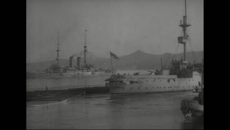 Un-Barco-De-La-Marina-Americana-Zarpa-De-Vladivostok-Siberia-Rusia-En-1918-