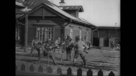 Soldados-Del-Ejército-Ruso-Practican-El-Entrenamiento-Con-Bayoneta-En-La-Primera-Guerra-Mundial