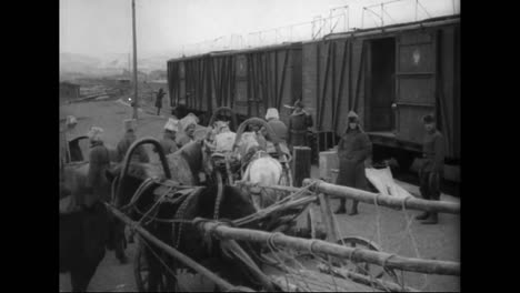 Scenes-Of-The-Trans-Siberian-Express-In-1918