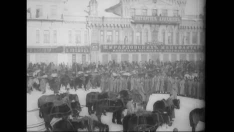 Massive-Militärparaden-Begleiten-Den-Ersten-Weltkrieg-Auf-Russisch-Im-Jahr-1918
