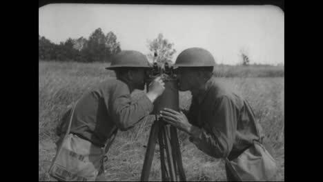 Se-Utilizan-Telescopios-Sextantes-Y-Binoculares-Para-Detectar-Aviones-Enemigos-En-La-Segunda-Guerra-Mundial-