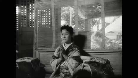 Japanese-People-Living-In-Hawaii-And-America-Before-World-War-Two-Practice-Shintoism-And-Emperor-Worship